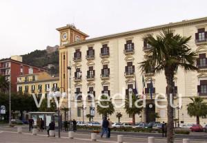 Palazzo-Provincia-Salerno-sant'agostino-650x_vivimedia