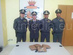 GDF-sequestro-5.6-kg-droga-maggio-2013-vivimedia