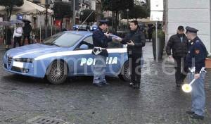 Volante-Polizia-Corso-Vittorio-Emanuele-Salerno-vivimedia