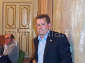 vincenzo-cardamone-presidente-consiglio-comunale-vietri-sul-mare-sett-2013-vivimedia