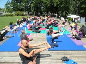 yoga-con-noi-salerno-ottobre-2013-vivimedia