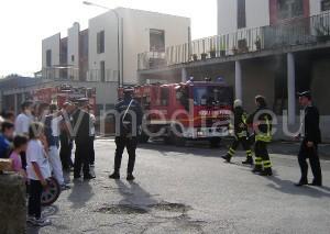incendio-case-popolari-santa-maria-del-rovo-(2)-1nov2013-vivimedia