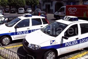 auto-polizia-locale-cava-de'-tirreni-vivimedia