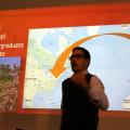Carmine, in controluce, visualizza il suo volo intercontinentale…ed esistenziale