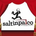 """Il """"logo"""" parlante dei Saltinpalco, creato da Marco Sada e raffigurante un attore che salta in scena con le due maschere del riso e della """"gravità"""""""