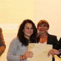 Don Luigi Merola e Luca Badiali premiano una delle vincitrici del Concorso