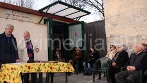 Un momento della manifestazione del 14 marzo organizzata dai cittadini di San Giuseppe al Pozzo. Al tavolo, Pasquale Senatore e Pasquale Scarlino