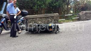 incidente-due-moto-1-costiera-amalfitana-13-luglio-2014-vivimedia