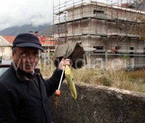 Ciro Mannara mostra la struttura nascente che conterrò, tra l'altro, il futuro Museo