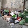 rifiuti-abbandonati-centro-1-domenica-29-novembre-cava-de'-tirreni-vivimedia