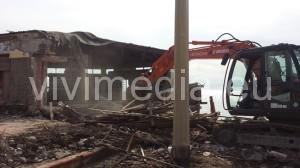 demolizione-lido-puerto-plata-pontecagnano-faiano-marzo-2016-vivimedia