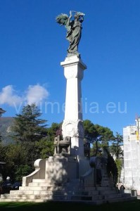 stele-monumeto-ai-caduti-piazza-abbro-cava-de'-tirreni-vivimedia