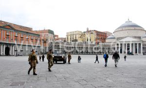 pattuglia-8-rgt-pasubio-piazza-plebiscito-napoli-marzo-2017-vivimedia
