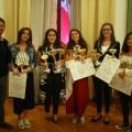 Giuseppe Catozzella con le ragazze del podio