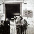3 Festeggiamenti dal balcone del dopolavoro di Passiano